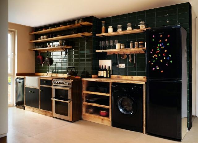 whole kitchen 2