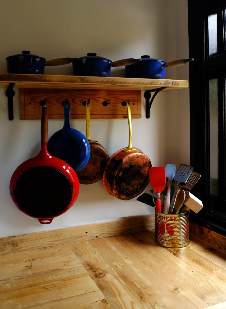 POT SHELF